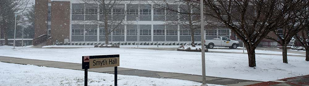 Snow on WCC Wytheville Campus outside of Smyth Hall